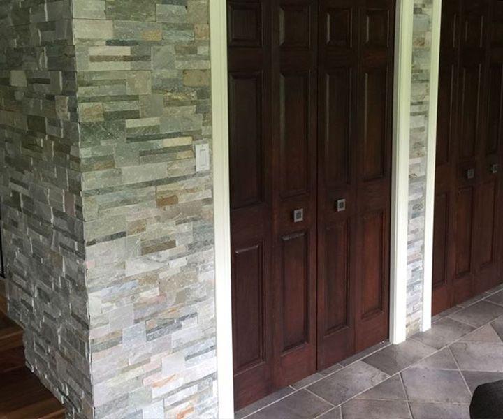 Projet d'installation de granit dans une entrée